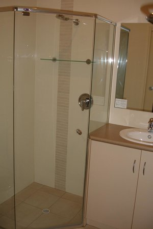 Vine Inn Barossa: Bathroom