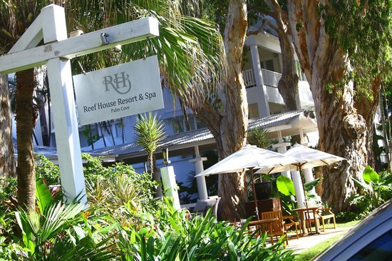 hotel frontage picture of the reef house palm cove. Black Bedroom Furniture Sets. Home Design Ideas