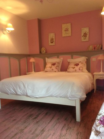 Chambre d 39 hotes saint hubert updated 2017 b b reviews for Chambre hote 05