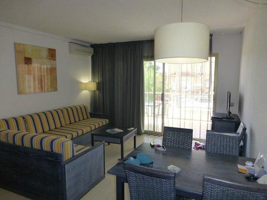 Blaumar Hotel : Гостинная