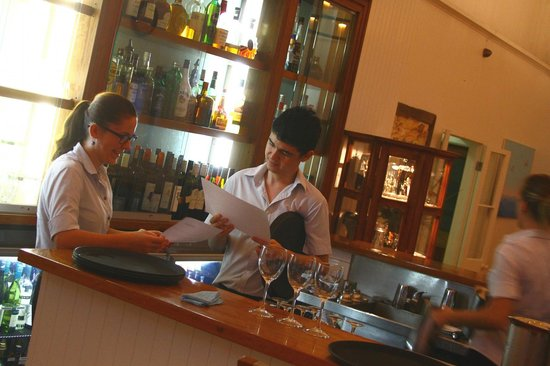 The Reef House Palm Cove - MGallery Collection: wait staff preparing for dinner service