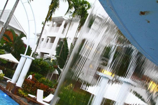 The Reef House Palm Cove - MGallery Collection: rooms viewed through main pool water curtain