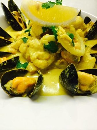 The Kings Arms: kashmiri seafood curry!! Our speciality!!