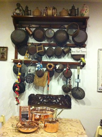 Bottega del Rame: ...insieme a quelle della nonna...