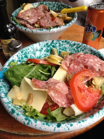 Antica Sosta degli Aldobrandini : beautiful big salad! They'll also give you some nice warm bread to go with if you ask :)