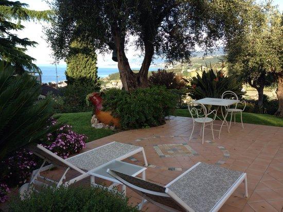 La finestra sul mare b b bordighera liguria prezzi 2018 e recensioni - La finestra sul giardino ...