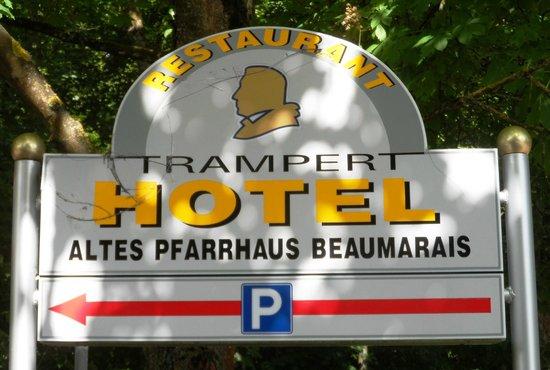 Altes Pfarrhaus Beaumarais: Strassenschild