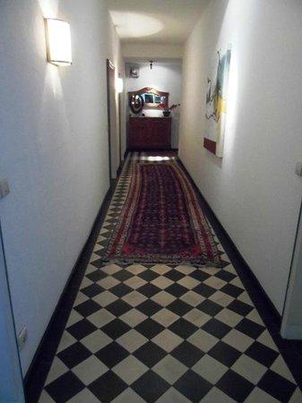 Altes Pfarrhaus Beaumarais: Gang