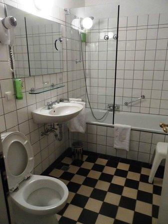Ringhotel Altes Pfarrhaus Beaumarais : Badezimmer
