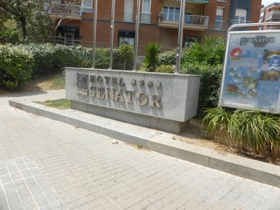Senator Barcelona Spa Hotel: outside the hotel
