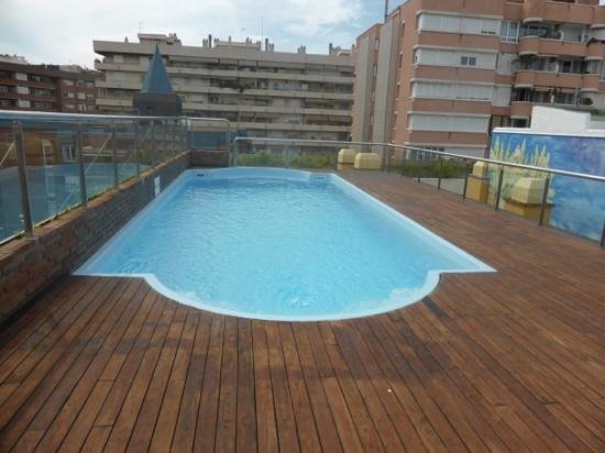 Senator Barcelona Spa Hotel: roof top pool