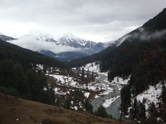 Pahalgam, India: On the way to Aru Valley