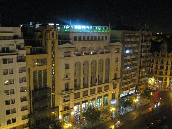 Melia Plaza: Aussicht vom 10. Stock in der Nacht