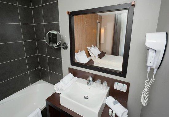 Ténéo Apparthôtel Bordeaux Bègles : Salle de bain