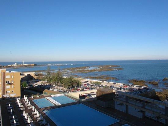 Parador de Cádiz: Vista piscina