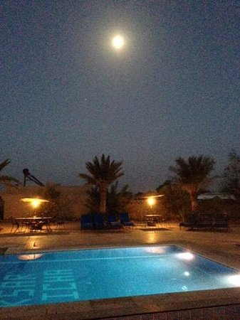 Ksar Bicha : Full moon over the swimming pool.