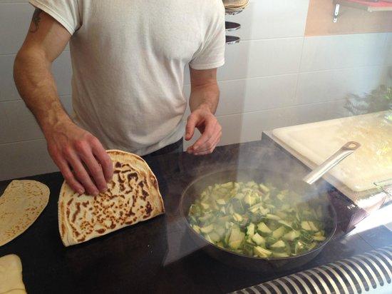 L'Azdora : Gianni working his magic...