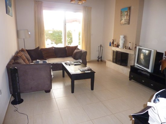 Sea Point Villas: Spacious and comforable lounge area