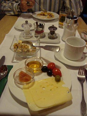 Bergland Hotel : Simple but great breakfast