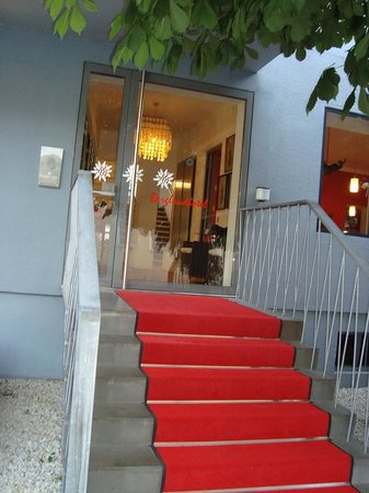 Bergland Hotel : Entrance to your home in Salzburg