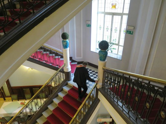 Hotel Francuski : Stairs to the first floor