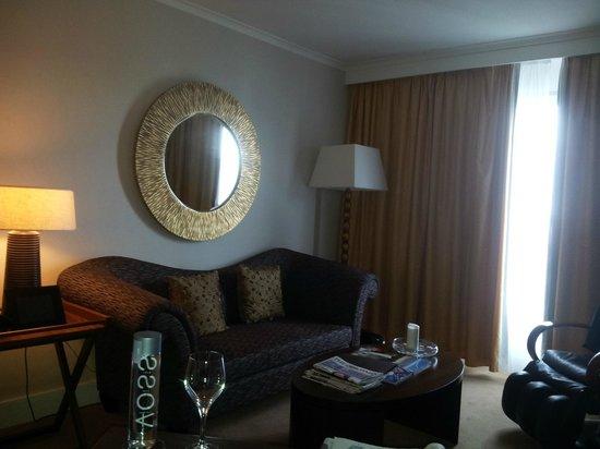 Corinthia Hotel Lisbon : Living Room area of Junior Suite on Executive floors