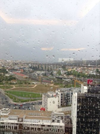 Corinthia Hotel Lisbon: Rainy Day View from Executive Lounge