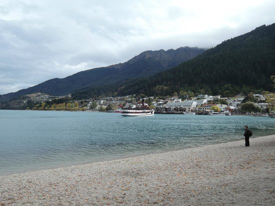 Novotel Queenstown Lakeside : Just outside of the hotel.
