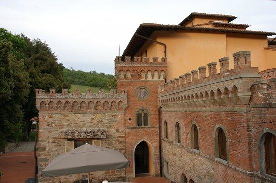 Hotel Villa Campomaggio Resort & Spa: La corte della Villa