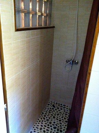 Hotel Niaouly: Nouvelle salle de bain 2014