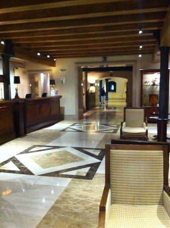 Hilton Molino Stucky Venice Hotel: Reception area