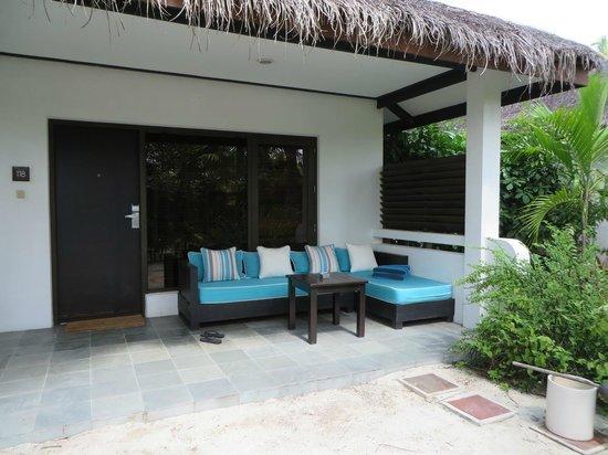 Velassaru Maldives: Deluxe Bungalow exterior