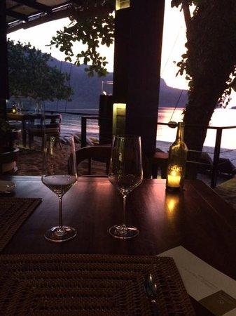 Jala Restaurant: Закат в ресторане...