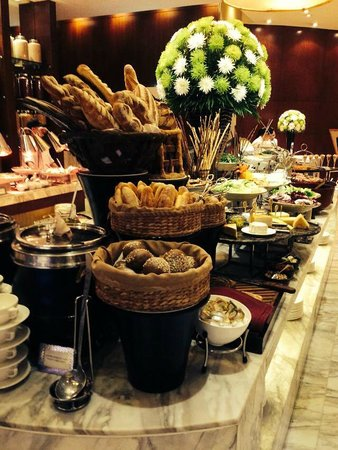 Caravelle Saigon : Buffet at Restaurant 19