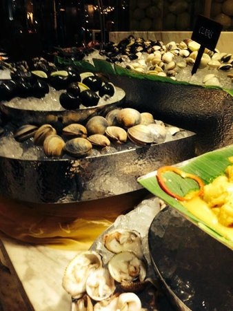 Caravelle Saigon : Seafood Buffet at Restaurant 19
