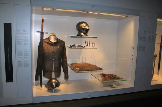 Schloss Tirol - Südtiroler Museum für Geschichte: Rüstungen