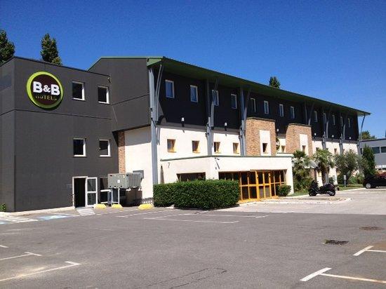 B&B Hotel Aubagne Gemenos: DEVANTURE HOTEL