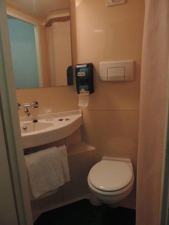 Hotel Mister Bed Bourges : Cuarto de baño