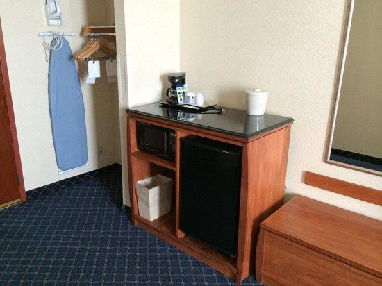 Century Park Hotel: Desk