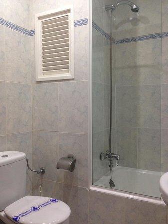Nereida Hotel : Baño habitación Superior, Superior Piscina, Estandard y Estandard Piscina