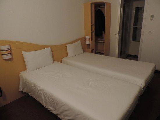 Couett'hotel Mainvilliers: habitación