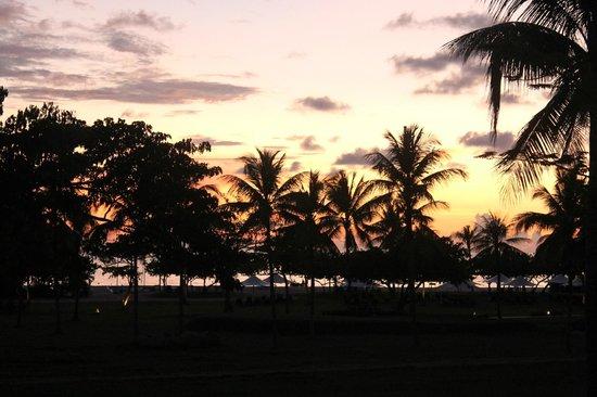 Shangri-La's Rasa Ria Resort & Spa: tramonto