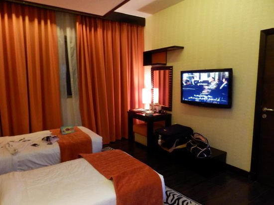 Marina View Hotel Apartments : Our room