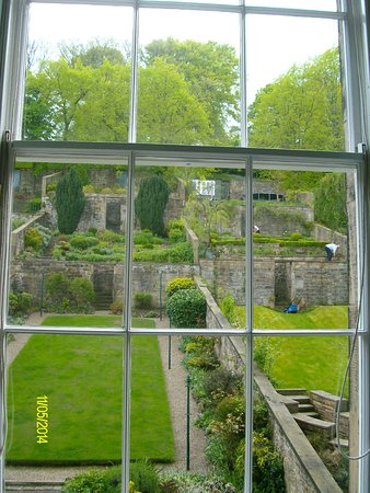 Adria House: view of the garden from room 3