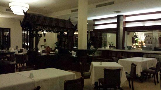 Lotus Blanc Resort: The restaurant