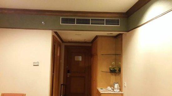 Tunjungan Hotel : AC Central type