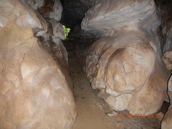 Ugong Rock : Rock formation