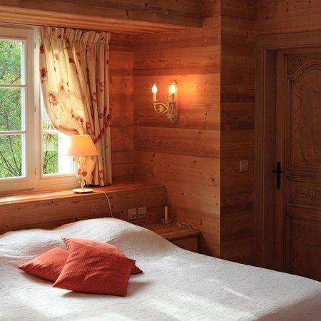 Hotel de la Verniaz et ses Chalets : Chambre chalet Gentiane