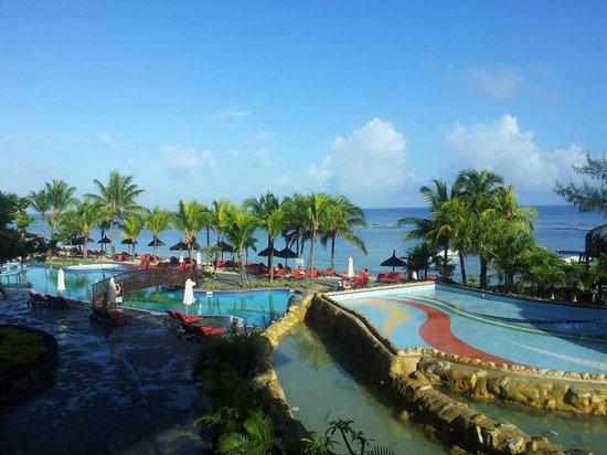 Le Meridien Ile Maurice : Le-meridian pool/beach area
