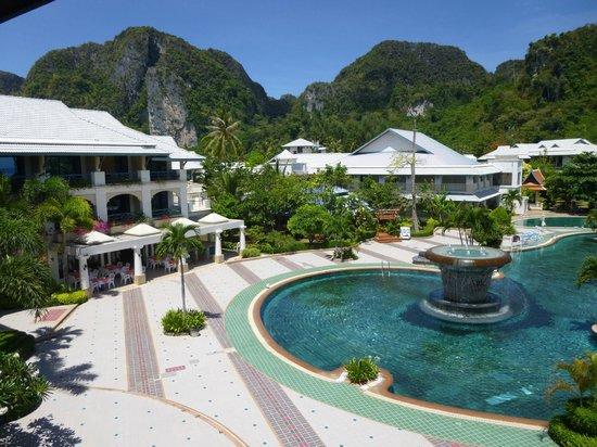 Phi Phi Island Cabana Hotel : Piscine